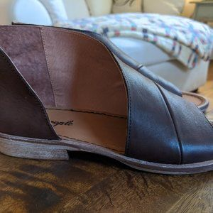 Free People Shoes - Free People Mont Blanc Sandals Size 8 Like New